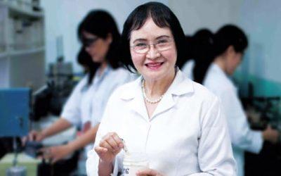 Nữ tiến sĩ Việt mang sơn ta ra thế giới