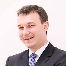Dr. Oliver Gottschall
